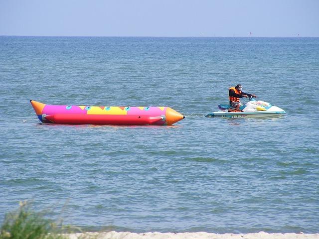 banana-boat-684847_640