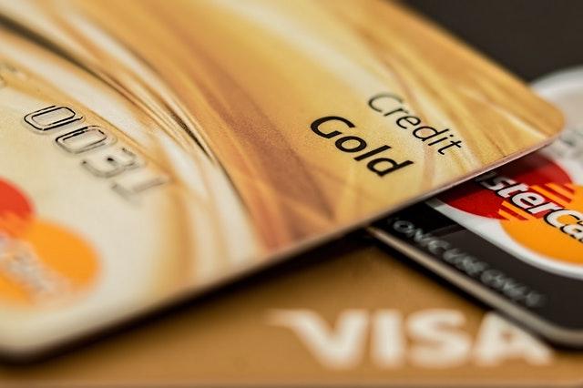 信用卡推薦及持有分析比較