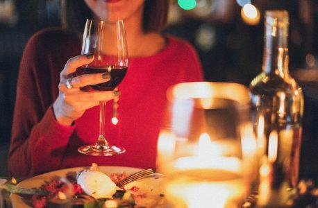 如何舉辦一場非常有效的餐桌聚會